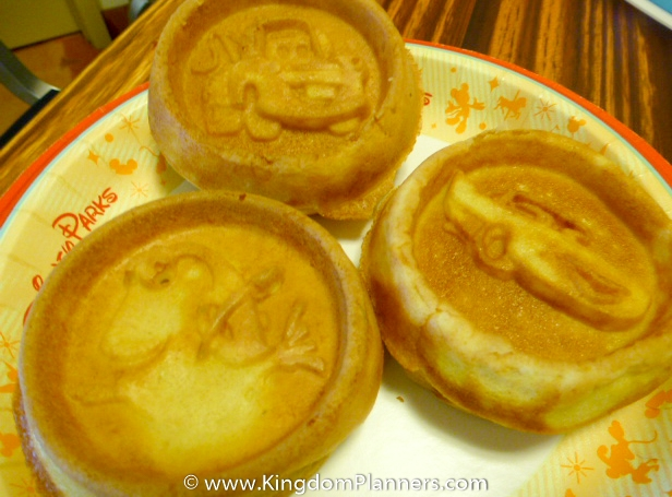 Kingdom_Planners_Disney_Mickey_Waffles-4.smalljpg
